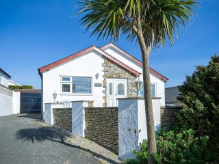 House in Abersoch with Internet, Terrace, Garden (674051)