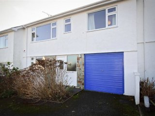 House in Abersoch with Parking, Terrace, Garden (674049)