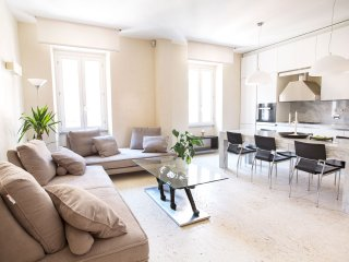 Elegant apartment located, only 5 minutes walk to Coliseum