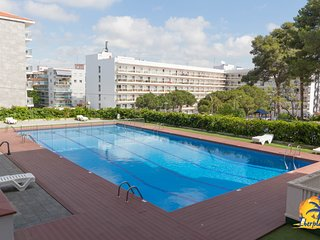 Apartment 4 pax and swimming pool at 200 meters. the Capellans beach Salou.