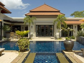 Gorgeous 4-Bed Pool Villa in Bangtao
