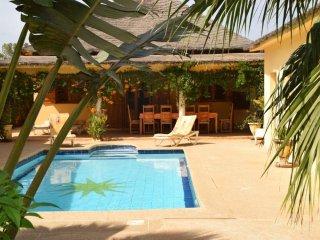 Villa ' Au Soleil ' ,Privative,Sécurisée,Piscine,Couchage 10 personnes