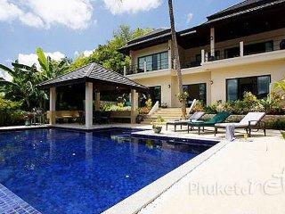 Spacious 6-Bed Pool Villa near Nai Harn Beach