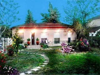 Spacious house in Stomio with Internet, Washing machine, Air conditioning, Terra