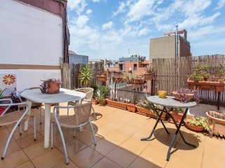 Beautiful 3 bed flat, close to the beach!