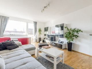 Apartment 409 m from the center of Hanover with Internet, Parking, Balcony, Wash