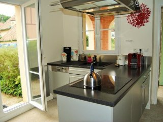 Spacious villa in the center of Montévrain with Internet, Washing machine