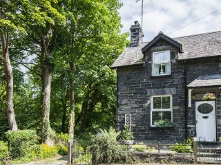 Glan Dulyn Riverside Holiday Cottage Betws-y-coed Snowdonia