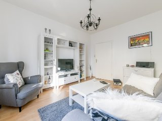 Apartment 1.2 km from the center of Hanover with Internet, Parking, Balcony, Was