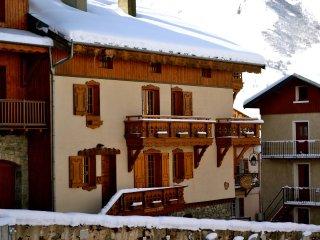 Azalee - Chalet Alice Velut - 2 bedroom apartment, St Martin de Belleville