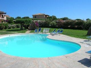 Casa Spiaggia Bianca con piscina condivisa Golfo Aranci
