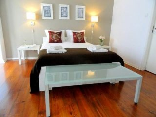 Spacious apartment very close to the centre of Lisbon with Washing machine