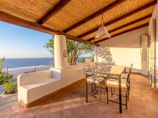 La Casetta del Palmento - Casa Eoliana con ampio terrazzo, giardino e vista mare