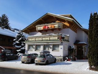 House in the center of Kaprun with Internet, Garden, Balcony (642659)