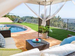 Villa Capri - modern quality villa with panoramic sea views and private pool!