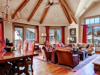 5br/5Ba Condo, Ski in/Out in Arrowhead w/ Holidays Open!