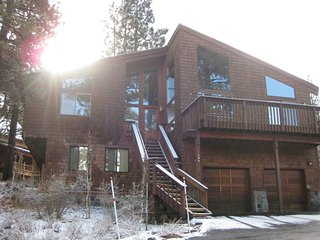 4 Br/4.5Ba Mountain Home, Sleeps 10 with Hot Tub! ~ RA134220