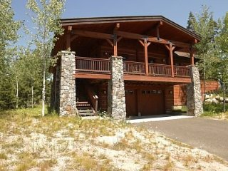 12 Haystack Court, 4 Bedroom Chalet with Private Hot Tub ~ RA144966