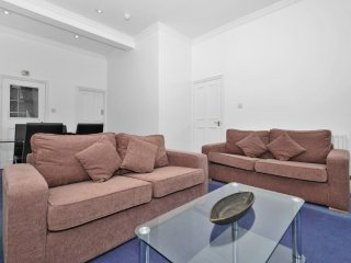 Apartment 1.1 km from the center of London with Washing machine (632473)