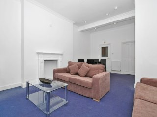 Apartment 1.1 km from the center of London with Washing machine (632456)