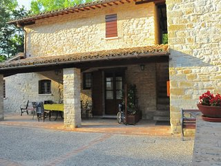 Country house in Gubbio with Internet, Pool, Parking, Garden (631413)