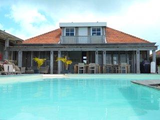 Knippenga Estate Villa 'Frangipani House'