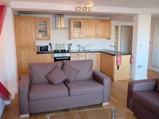 Apartment 1.2 km from the center of London with Lift, Washing machine (553750)