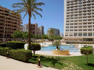 Cozy apartment a short walk away (333 m) from the 'Playa Cantal Roig' in Calp wi