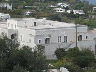 CAPRI luxury apartment 6 sleeps