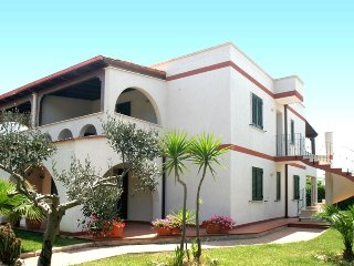 Spacious apartment in Specchiolla with Parking, Washing machine, Air conditionin