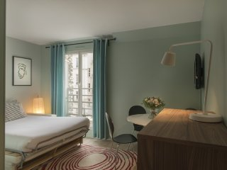 Apartment 1 km from the center of Paris with Terrace (529168)