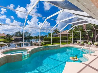 Evergreen by the Sea Cape Coral Vacation Home, perfect for young families, Pool
