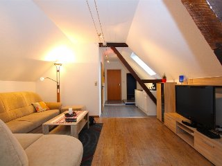 Cosy studio close to the center of Garbsen with Parking, Internet