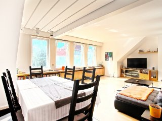 Apartment 1 km from the center of Hanover with Internet, Parking, Washing machin
