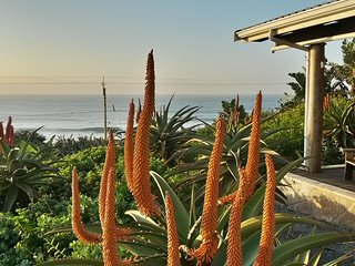 Umkomazi Rocks - Self-Catering Beach House with Surf Views and a Great Pool