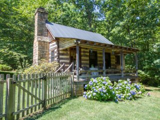 Langley Cottage | Explore Virginia Wine Country - Walk to Glass House Winery