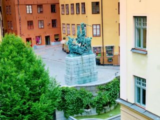 Large Old Town Rooftop Apartment - BALTZAR