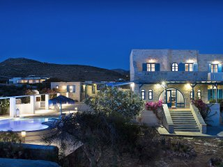 """Aegean Seashell"" Villa with pool and sea view!"