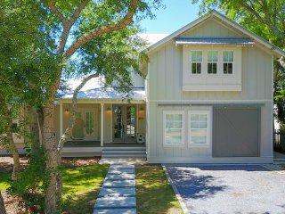 Best of Both Worlds 30A Waterfront Gulf Lake House
