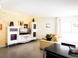 SOL MOGAN SUITES***. Suite Sin terraza con dos dormitorios.