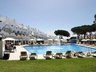 Casa Cozy Marbella - Nice resort townhouse