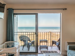 STUNNING! Brand new over the top renovation! OCEANFRONT! 1 Bedroom Sleeps 4!!!!