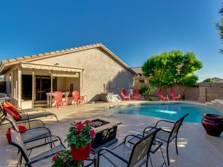 ** HEATED SWIMMING POOL **  3 BEDROOM HOUSE SLEEPS 6 IN APACHE JUNCTION