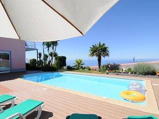 """CASA BELLA VISTA PRAZERES"" - POOL, WIFI, BBQ, SEA VIEW"
