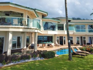 Sunset Beachfront Luxury Property with Swimming Pool and AC