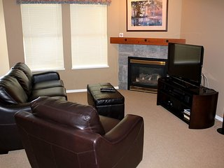 Corner 1 Bedroom Condo + Alcove at Silver Creek Lodge, Silver Star