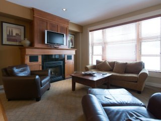 2 Bedroom Executive Condo + Den and Hot Tub at Snowbird Lodge