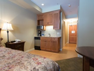 Studio Condo at Snowbird Lodge, Silver Star Mountain