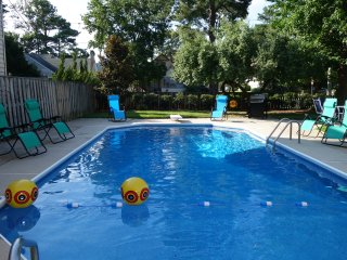 4 Bedroom 4 1/2 Bath with Pool Boardwalk Area Virginia Beach