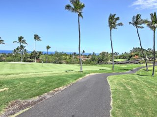 NEW! Lovely 2BR Kailua-Kona Condo on Golf Course!